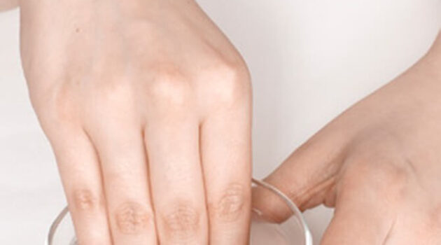 How To Remove Acrylic Nails At Home With Hot Water